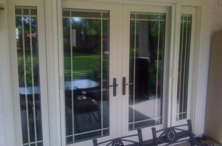 Retractable screen door stunning why it might be time to for Cheap sliding screen doors